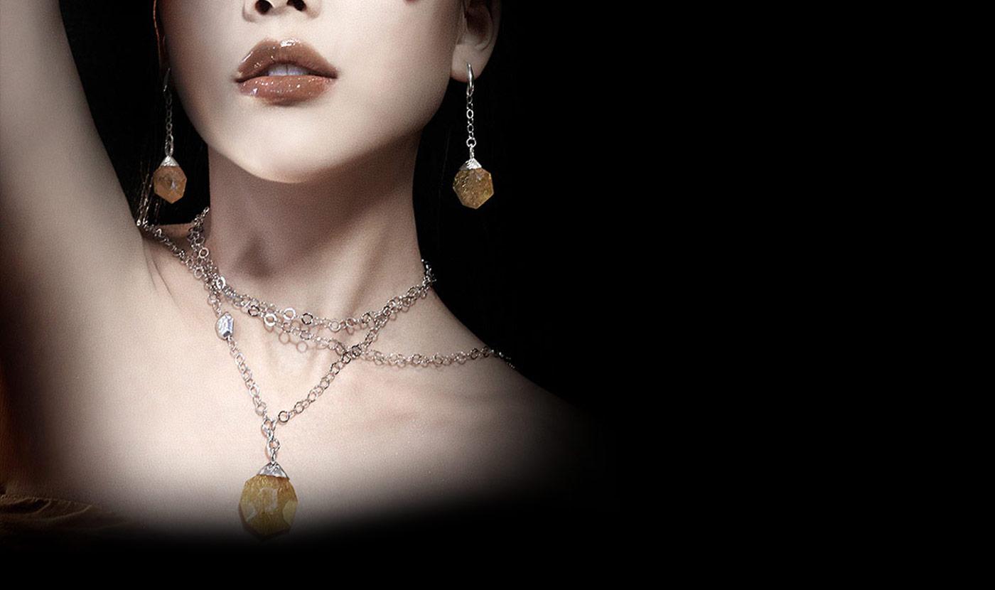 Acquista autentici Swarovski Bracciale, Anello, Orecchini dal webshop di jelly555.ml, le collezioni dell'ultima gioielleria di design desi al miglior prezzo scontato del 90%, più oggetti ti .
