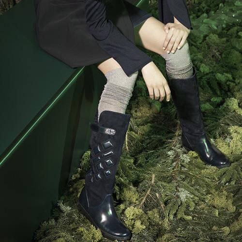 Fashion F / W 2015-16: the leather boots, seduction tool
